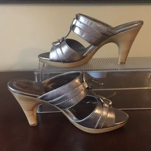 Sofft Metallic Platform Heels Slip-on Sandals 7.5